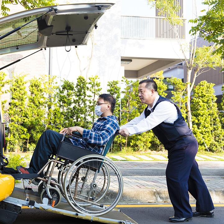 介護ドライバーという働き方もある
